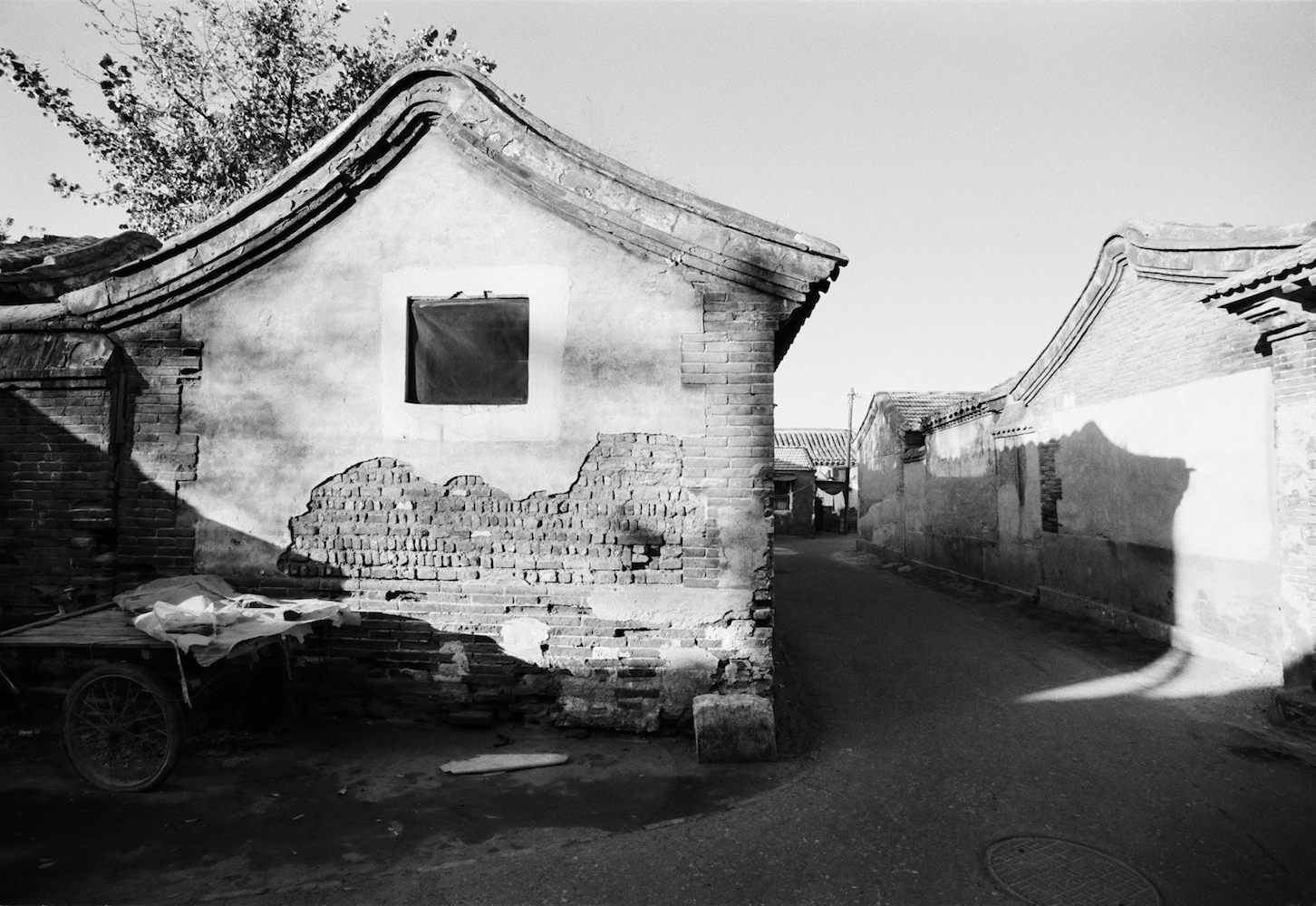 Hutong Whose Name Has Been Forgotten by Xu Yong 徐勇