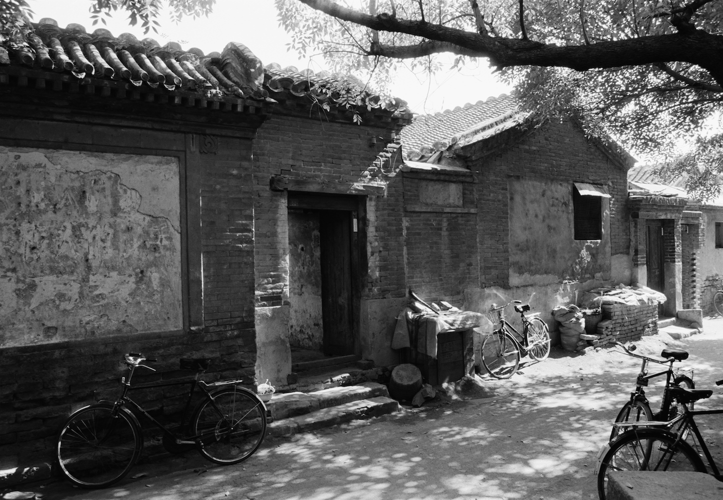 North Ditch Hutong by Xu Yong 徐勇